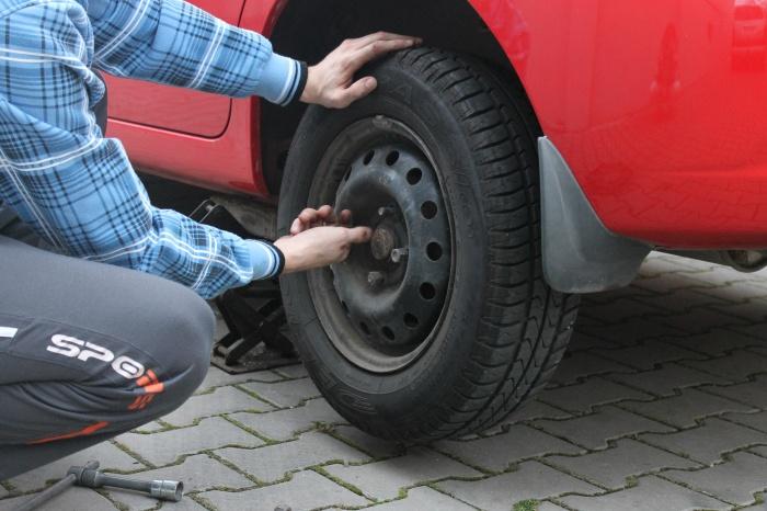Jak přezout pneumatiky