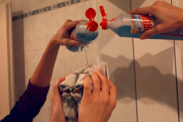 Jak umýt zrcadlo
