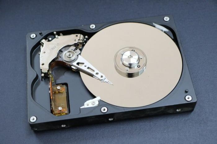 Jak zachránit data, když pevný disk přestane poslouchat?