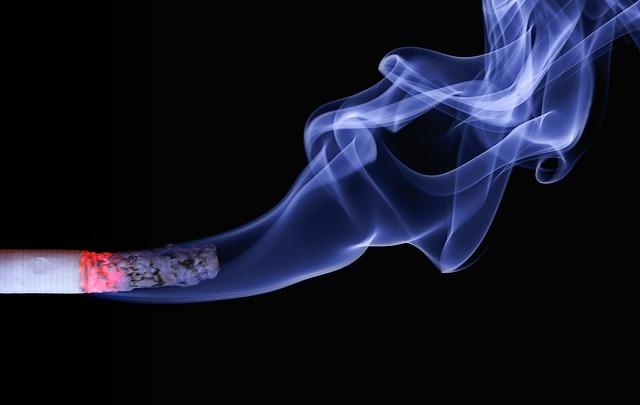Kouření v restauracích je stále možné. S e-cigaretou a clearomizéry Joyetech